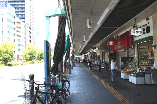 大阪市大病院の前